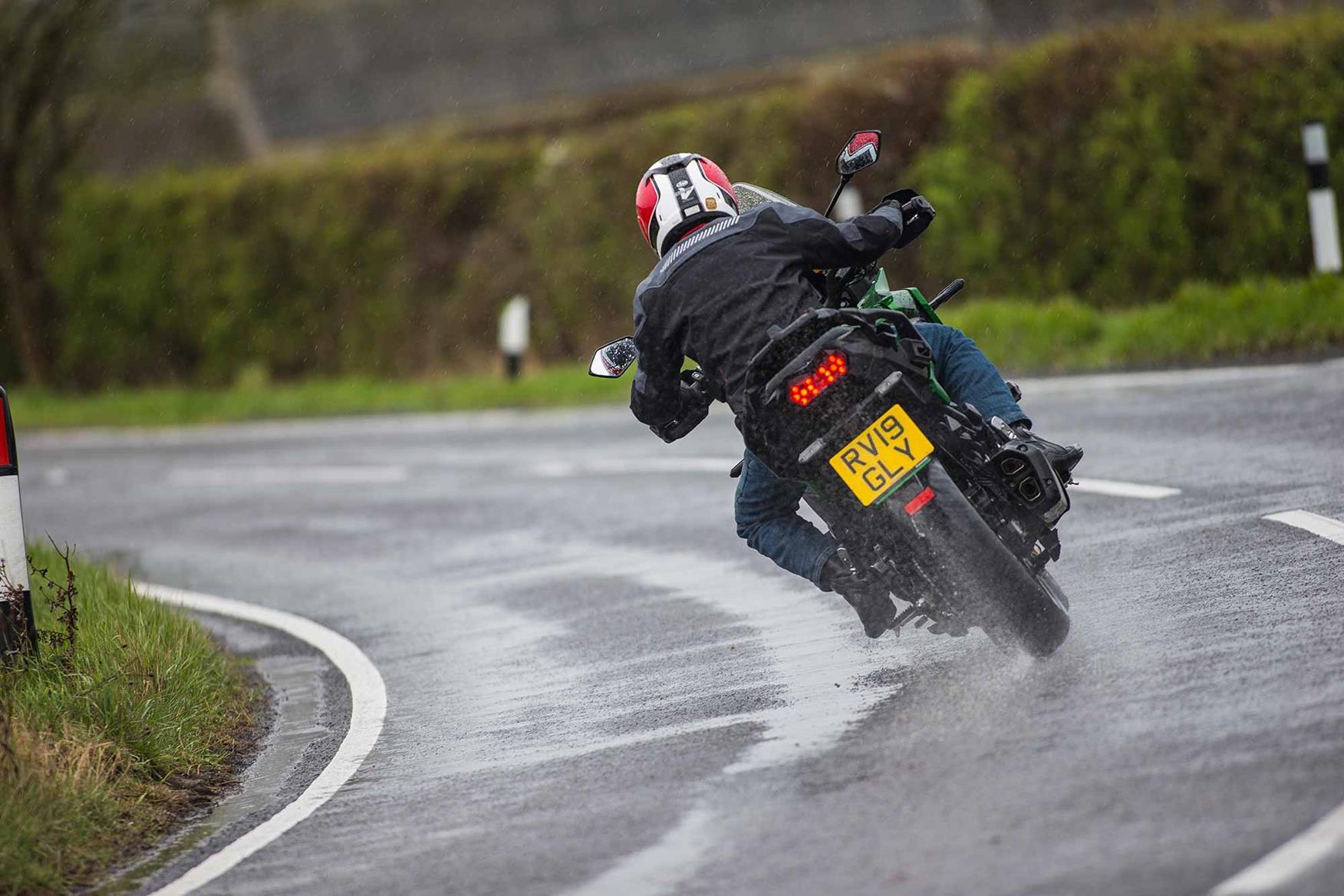 Senior Writer Dan Sutherland corners in the wet