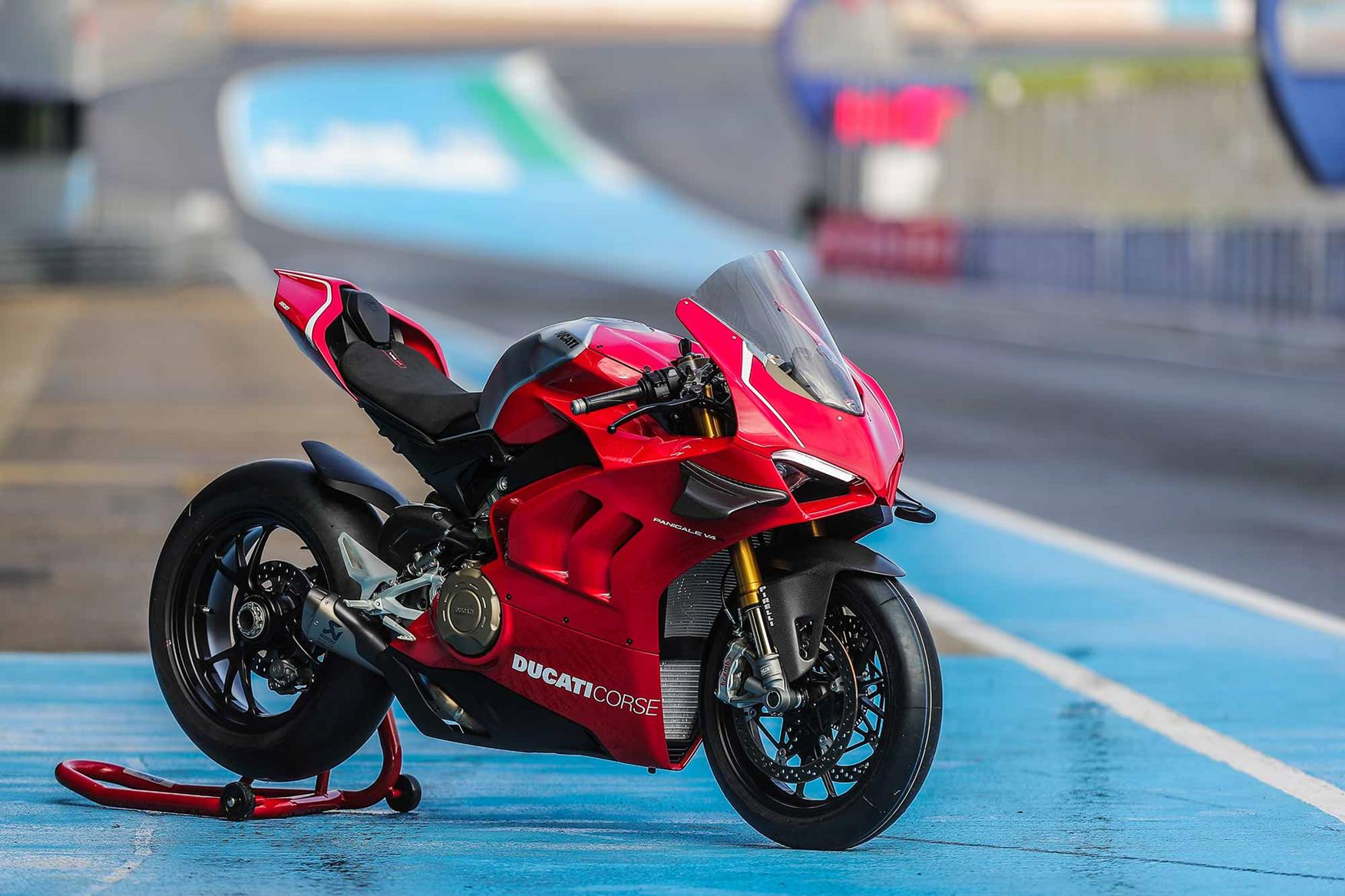 ducati panigale v4r 2019 on review. Black Bedroom Furniture Sets. Home Design Ideas