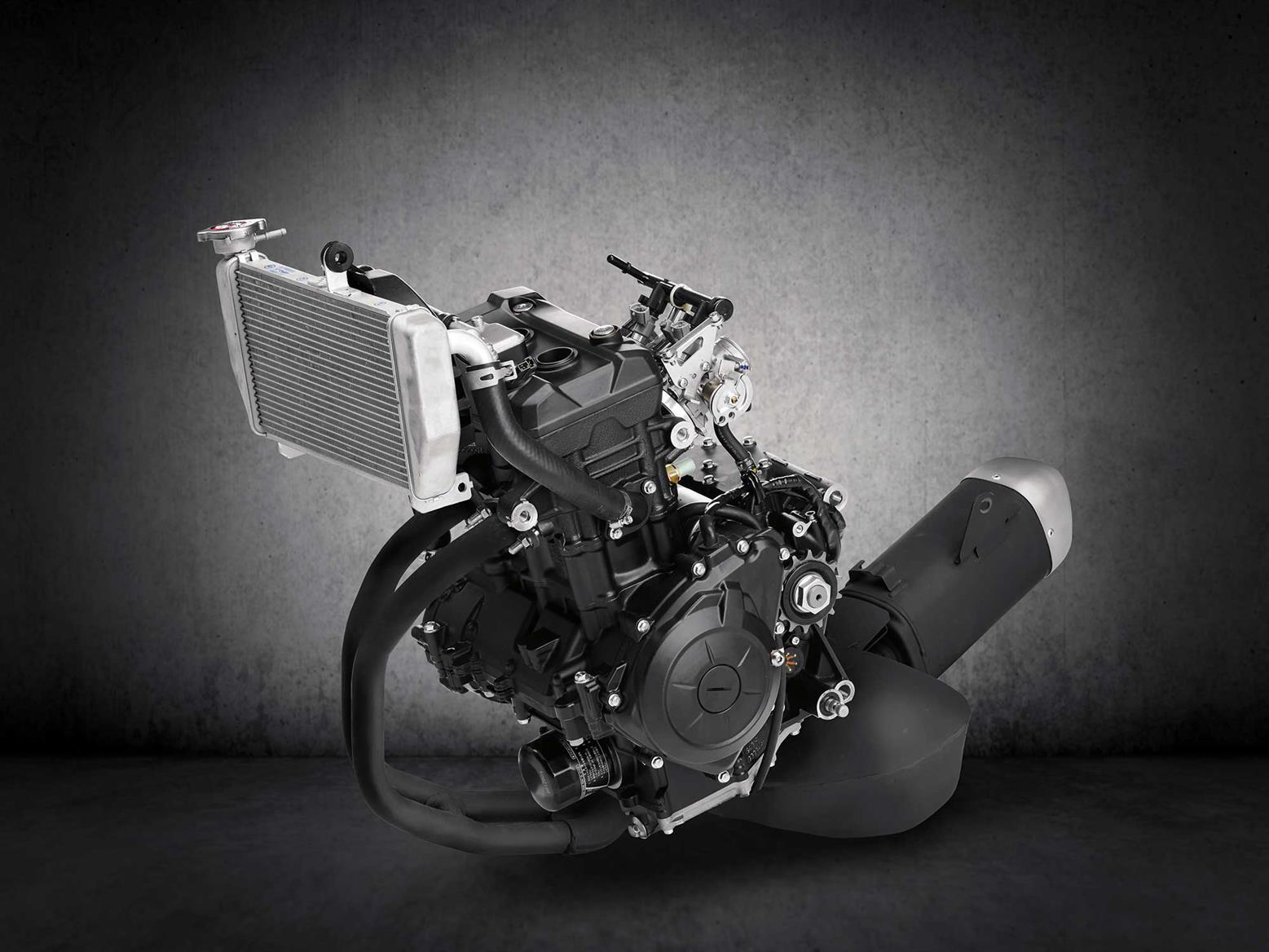 Yamaha R3 engine