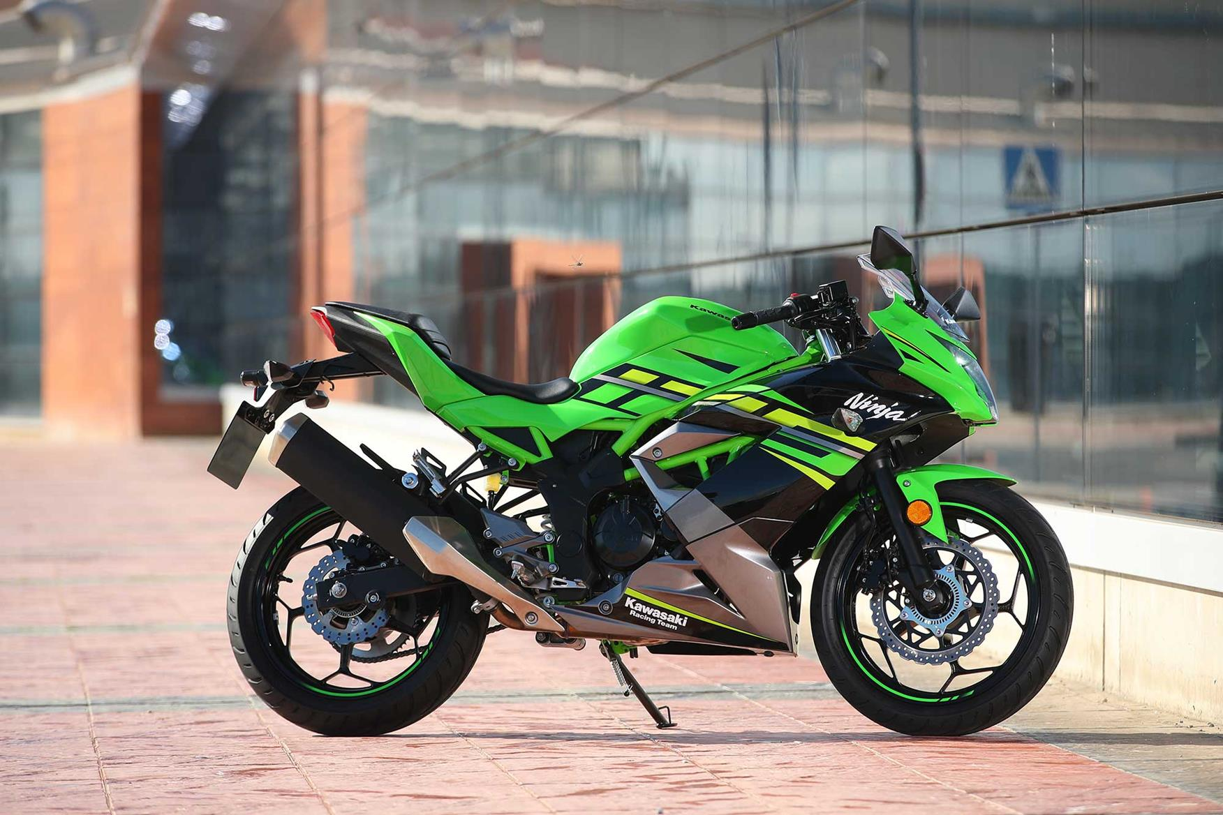 Kawasaki Ninja 125 2019 On Review