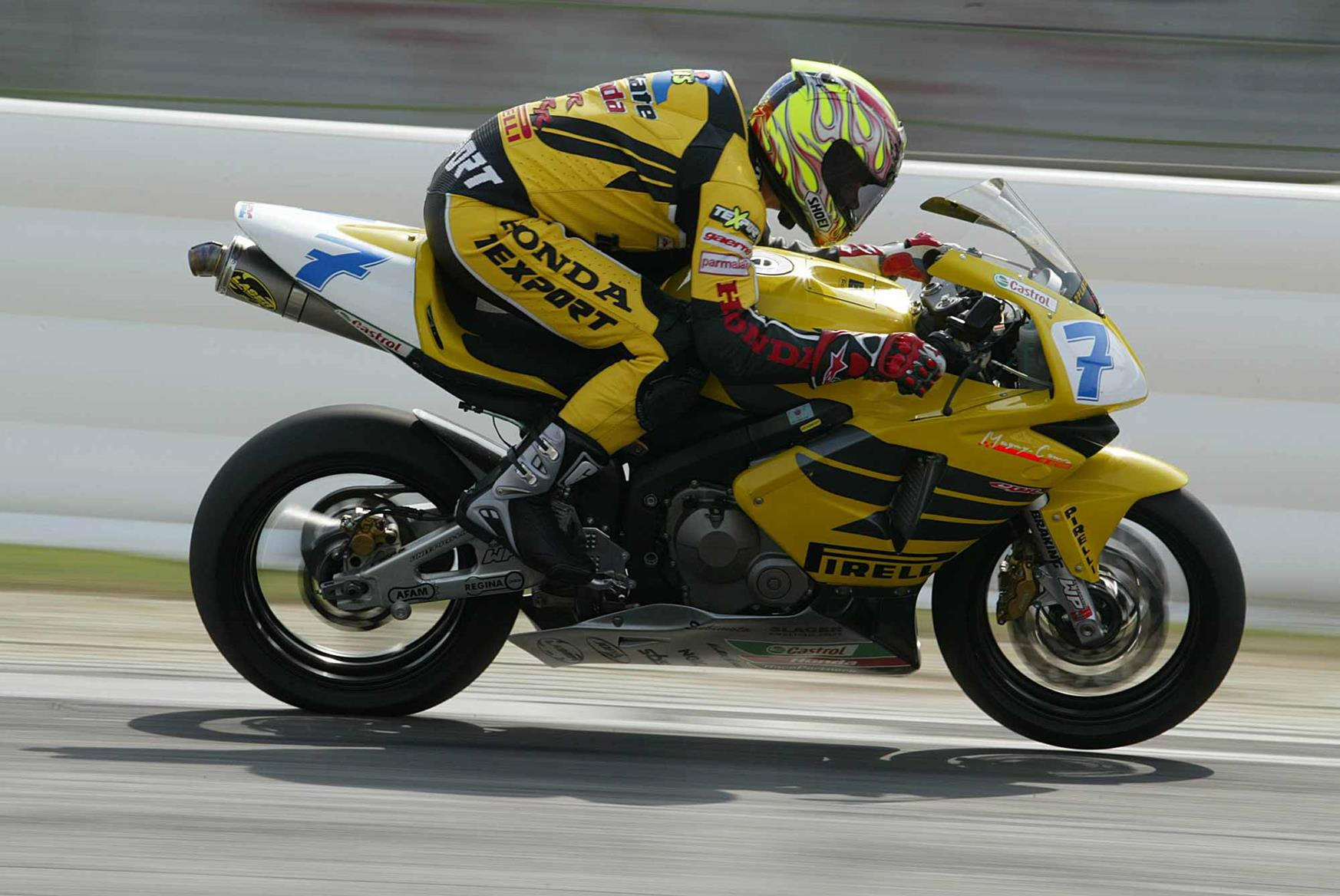 Vermeulen took the 2003 World Supersport crown with Ten Kate Honda