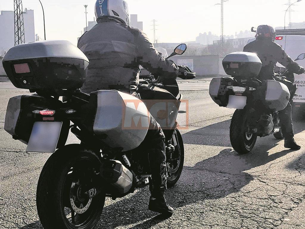 Spy shots emerge of new BMW sports tourer