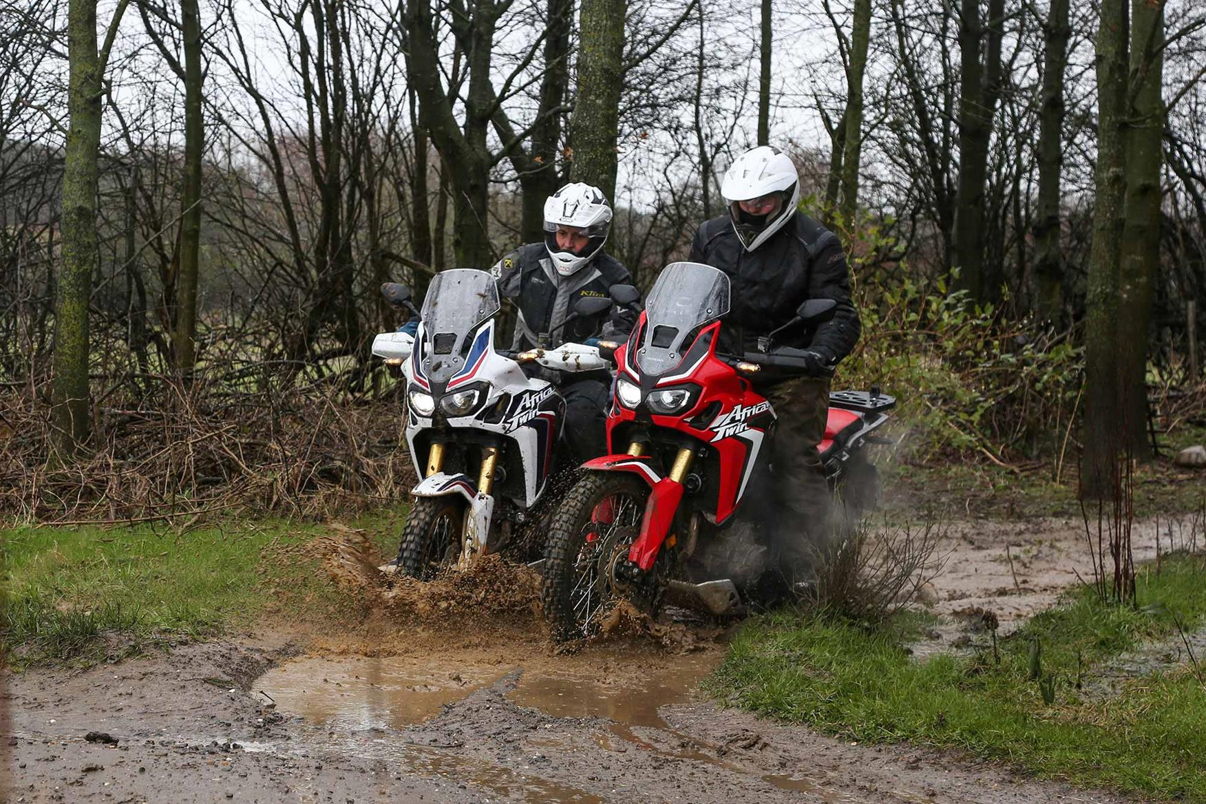 The 2016 manual Africa Twin battles the DCT version