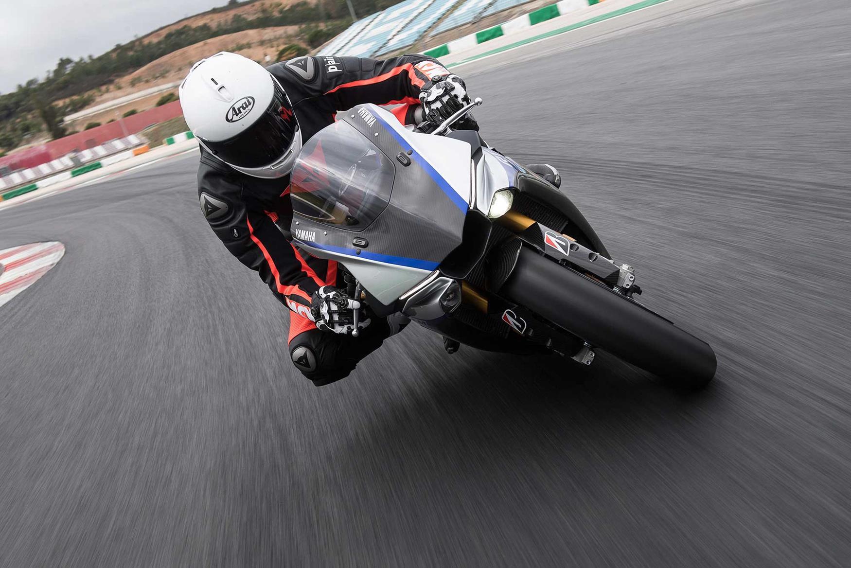 Yamaha R1M cornering