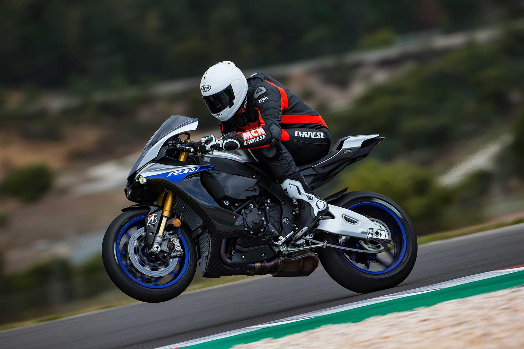 Yamaha R1M wheelie