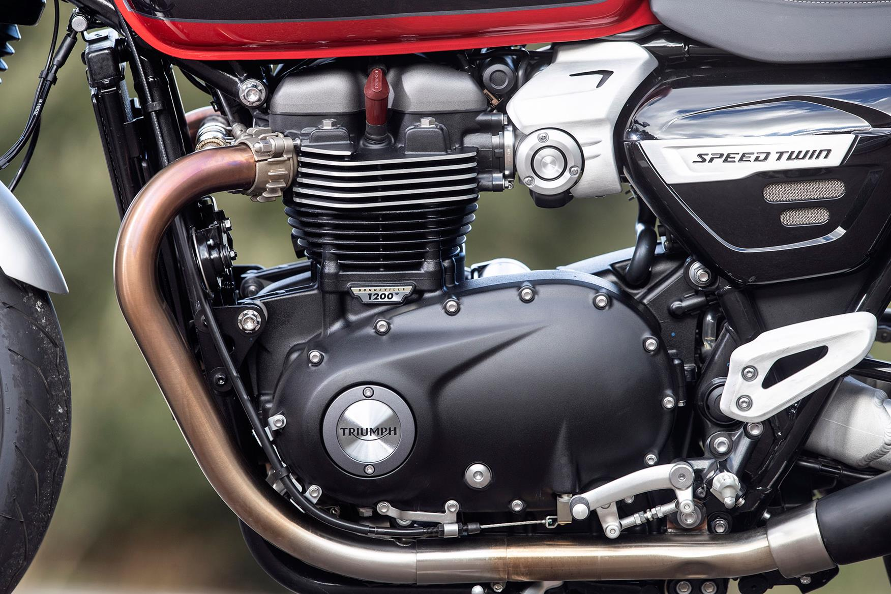 The bike features the same engine as the Thruxton
