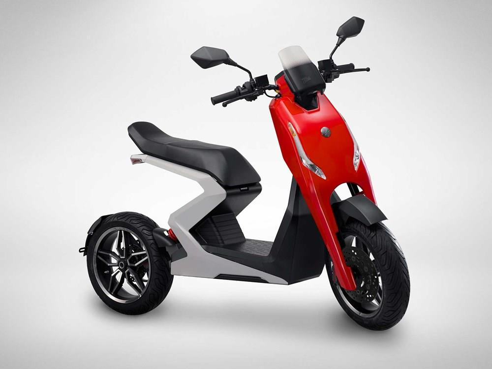 Zapp i300 electric scooter