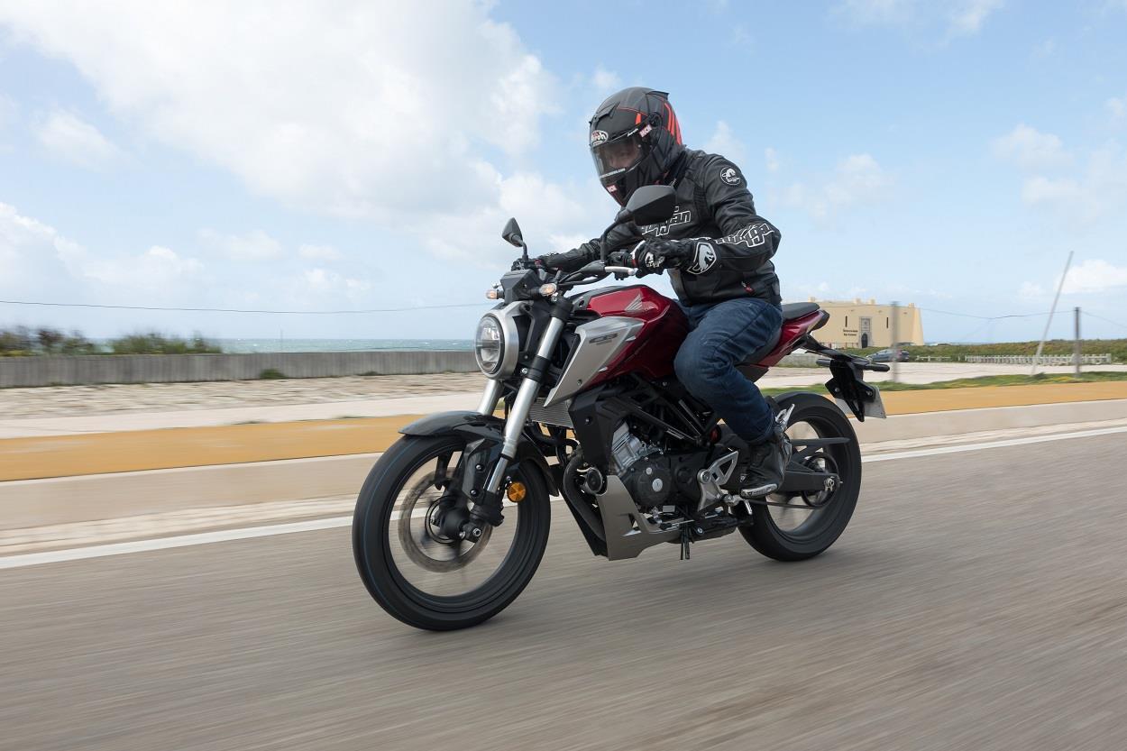 MCN's Dan Sutherland tests the Honda CB125R