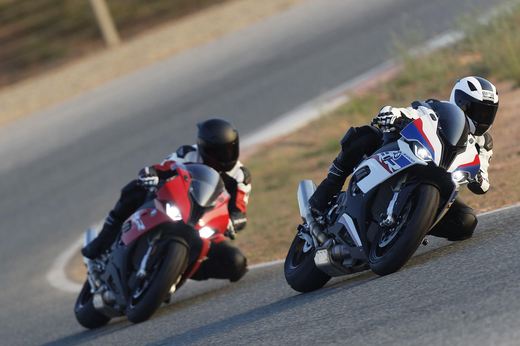 The 2019 BMW S1000RR in action