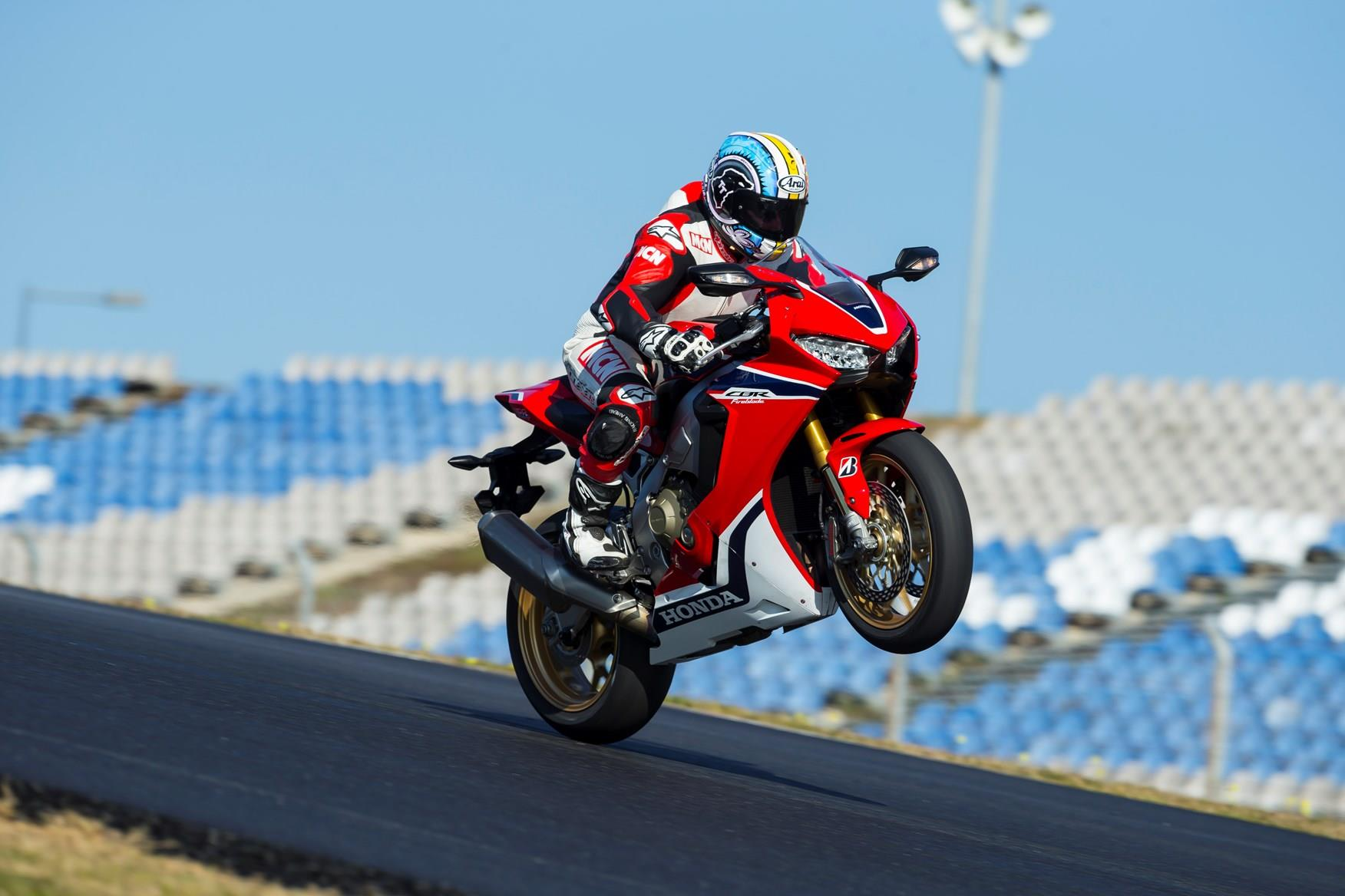 MCN's Adam Child wheelies the 2017-on Fireblade SP