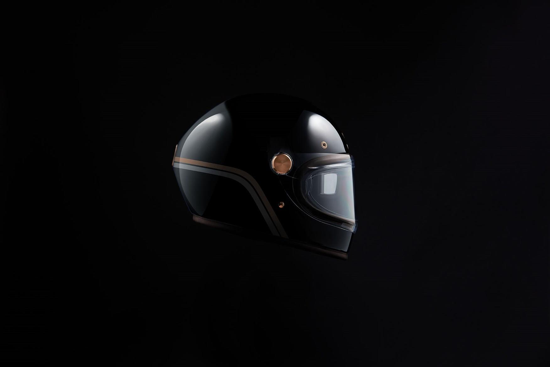 The Arc comes with a bespoke helmet with HUD