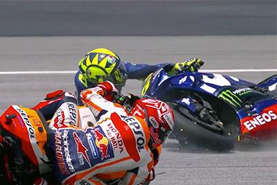 Valentino Rossi crashes out from the lead at Sepang