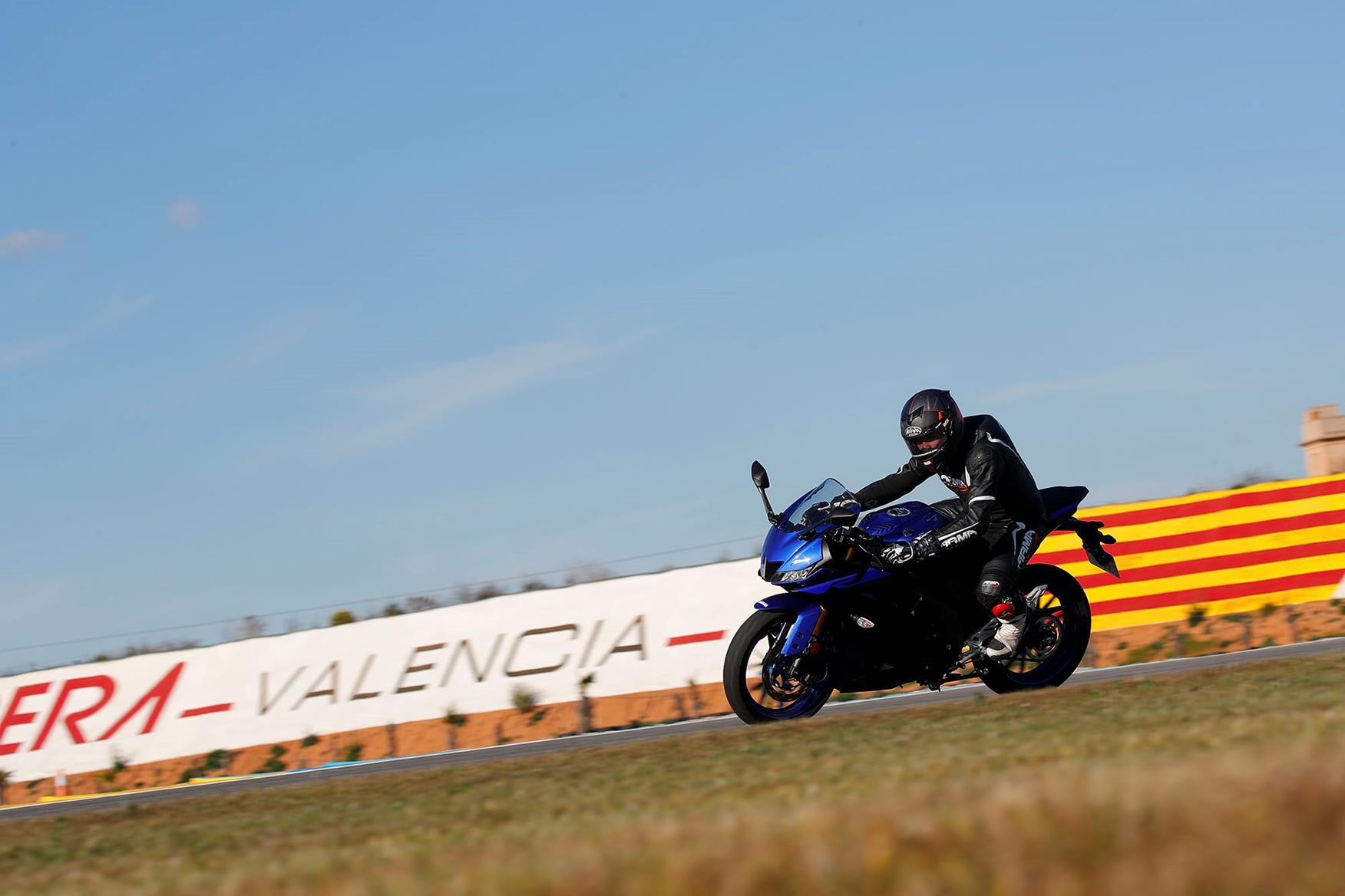 Yamaha R3 on track at Valencia