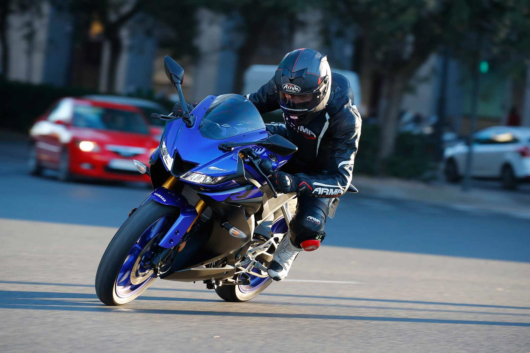 Cornering on the Yamaha YZF-R125