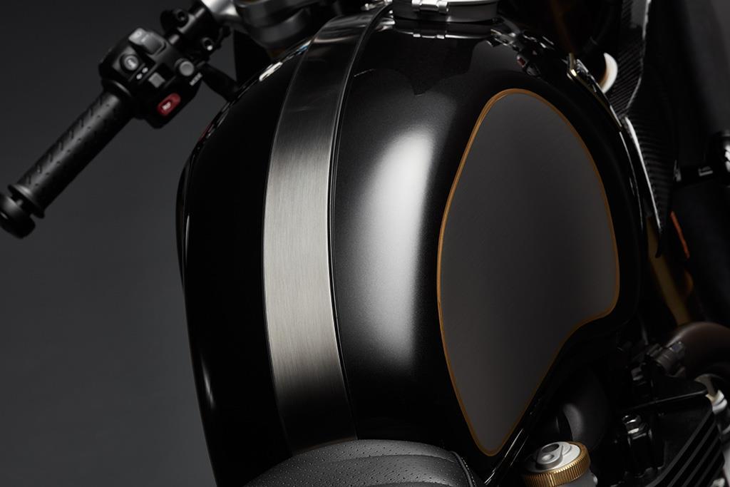 Triumph Thruxton TFC gets blacked out brightwork