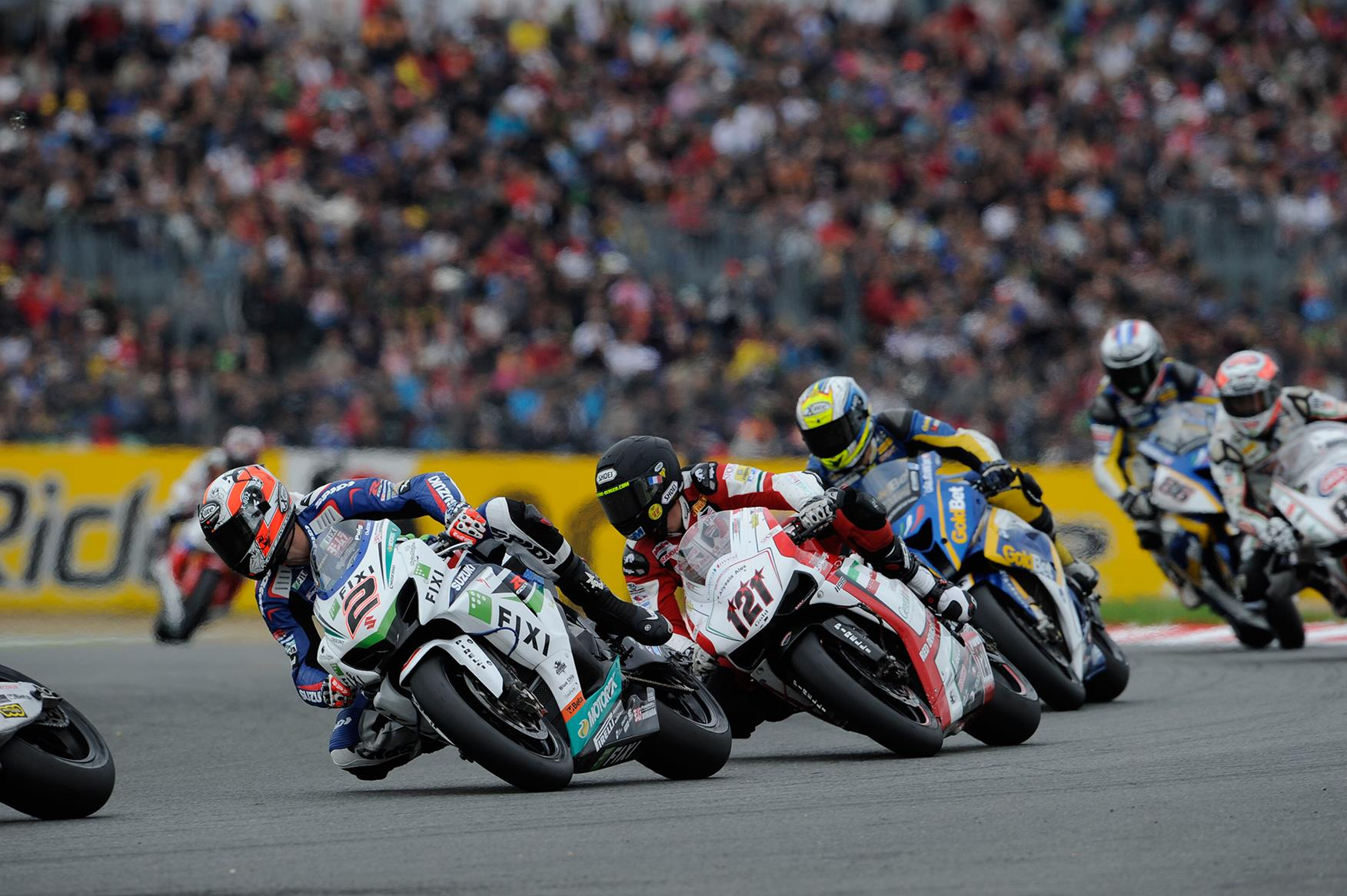 Leon Camier in action in World Superbikes