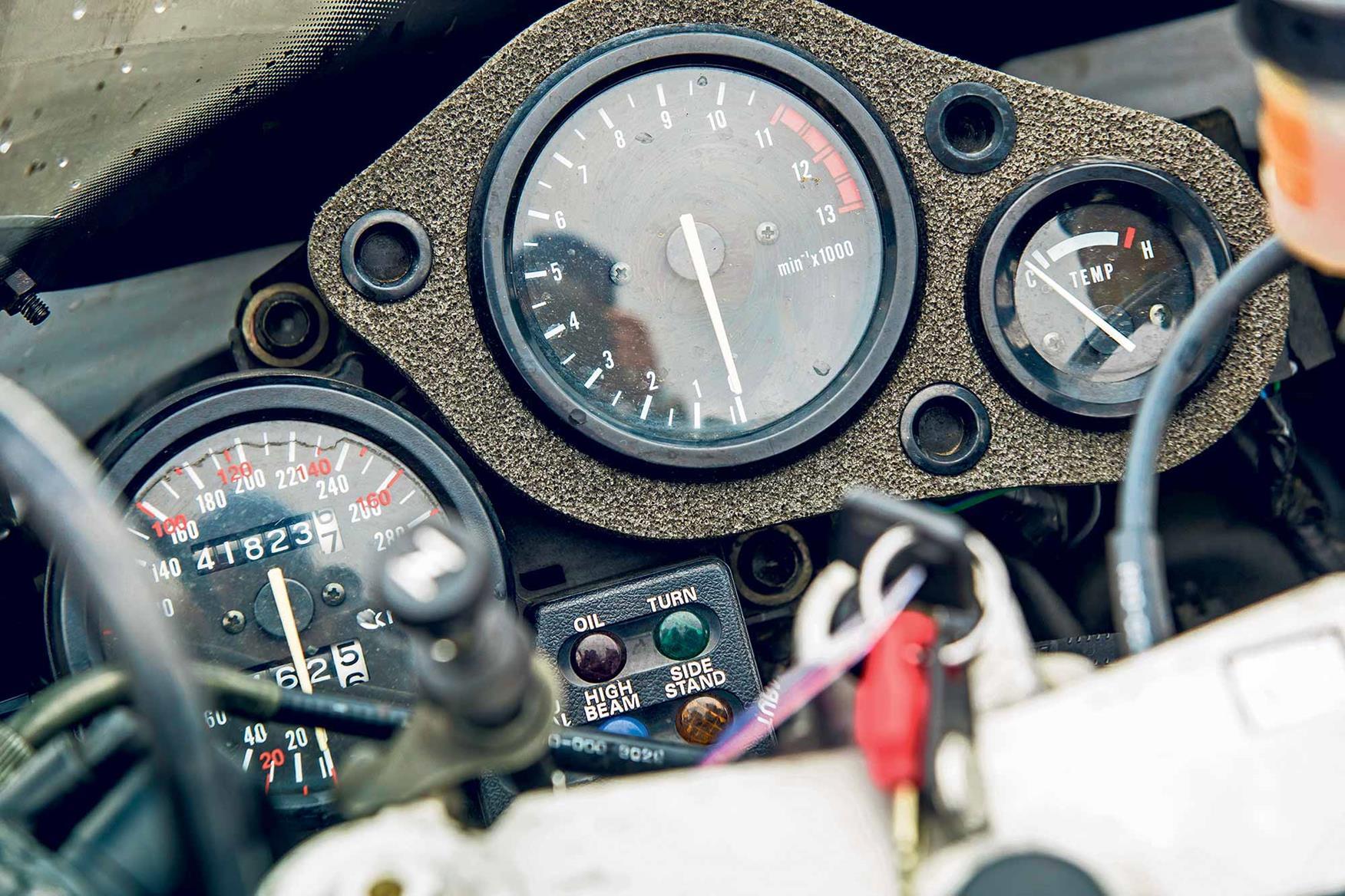 The clocks on the Honda CBR900RR FireBlade