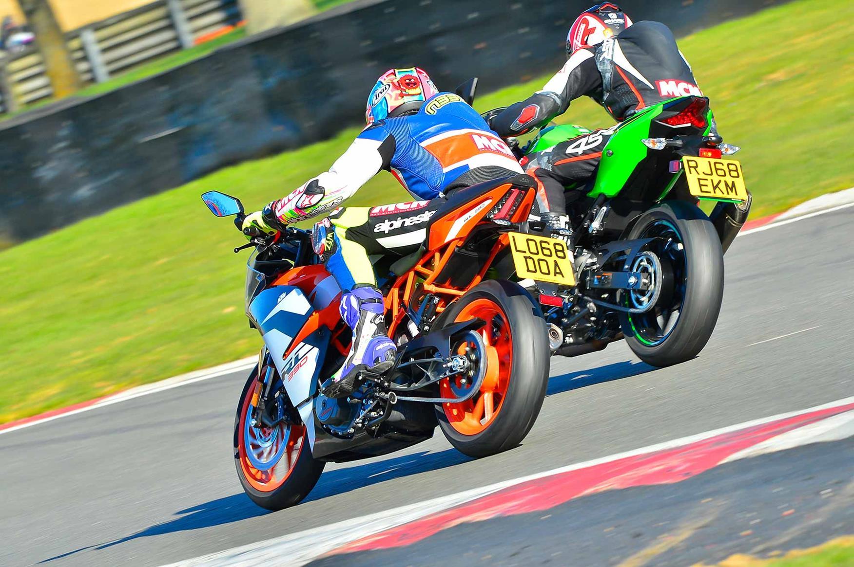 The Kawasaki Ninja 400 and KTM RC390 together