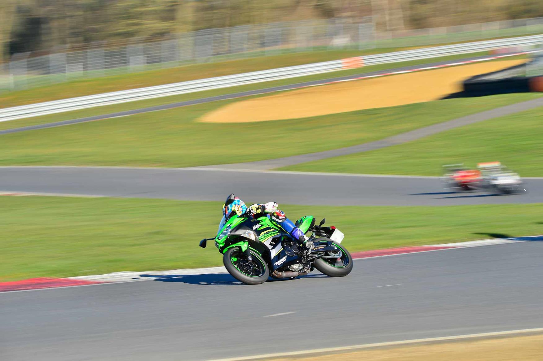 Riding Clearways on the Kawasaki Ninja 400