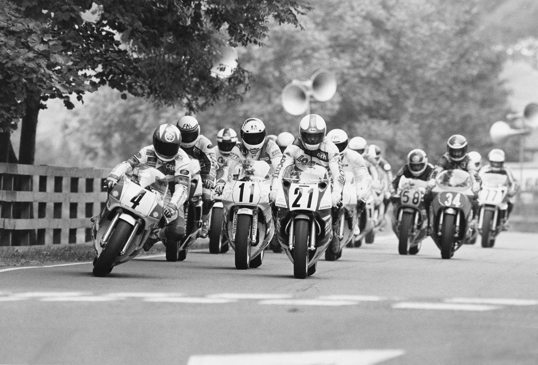 Carl Fogarty leads at Scarborough in 1989