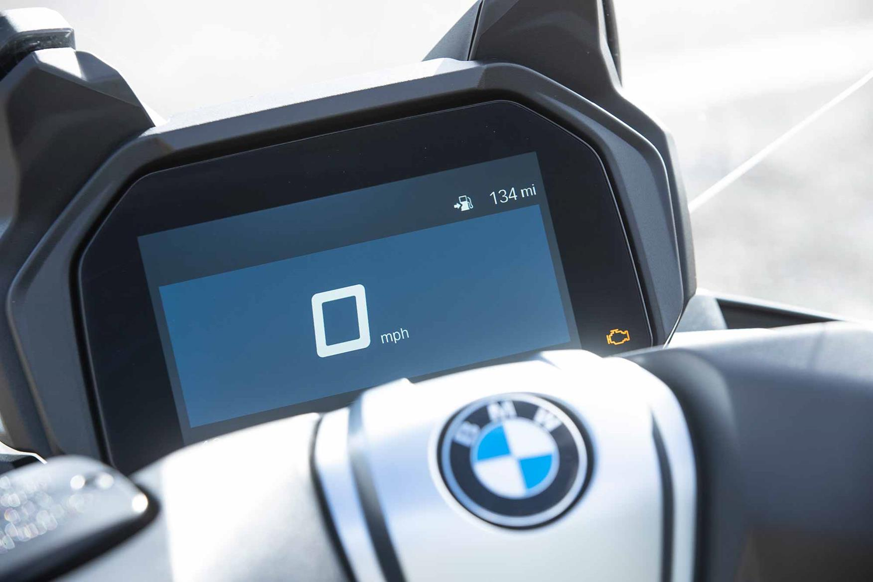 The BMW C400GT gets a TFT dash