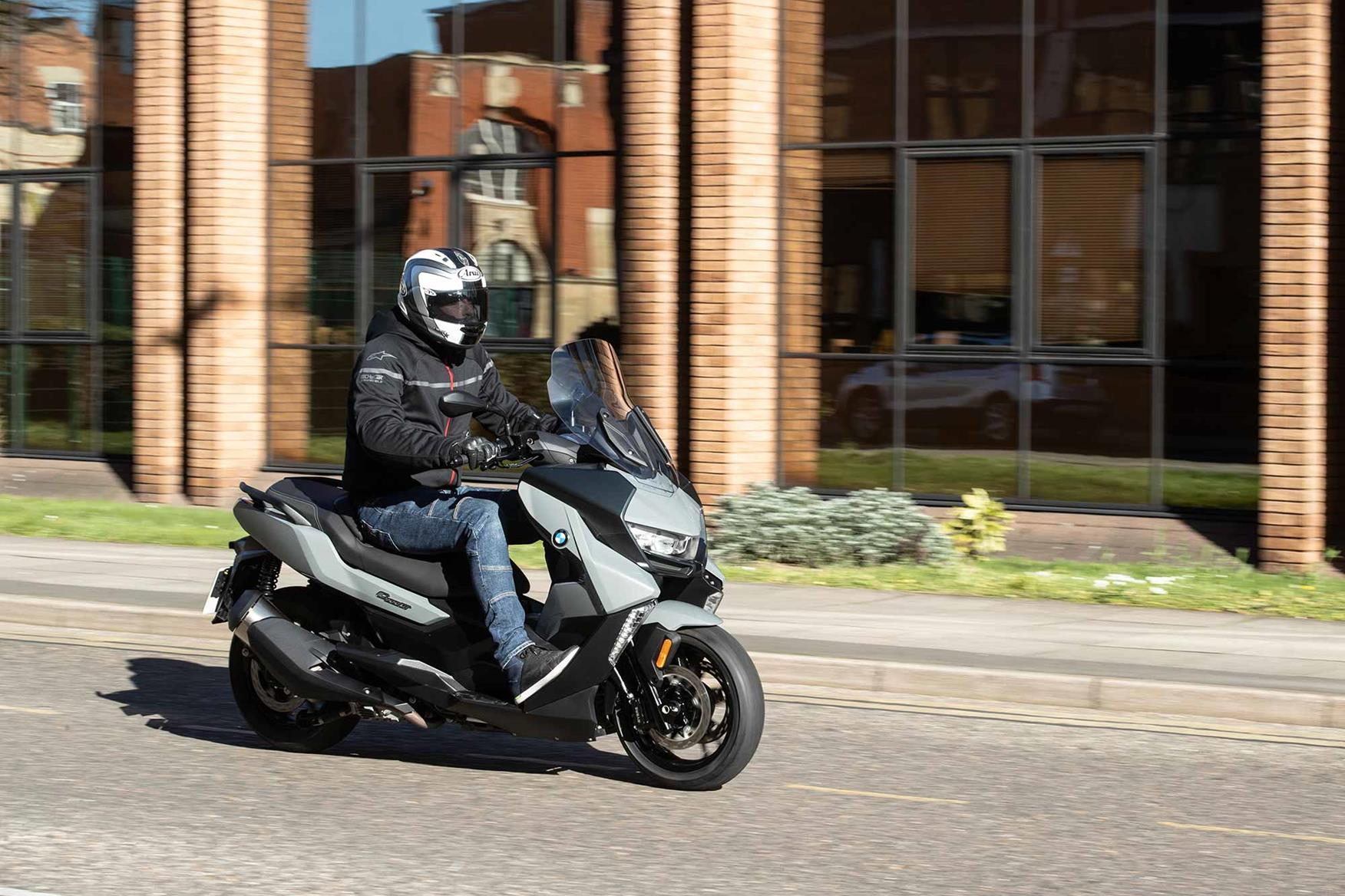 Riding in town on the BMW C400GT