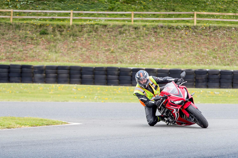 Knee down Honda CBR650R right turn