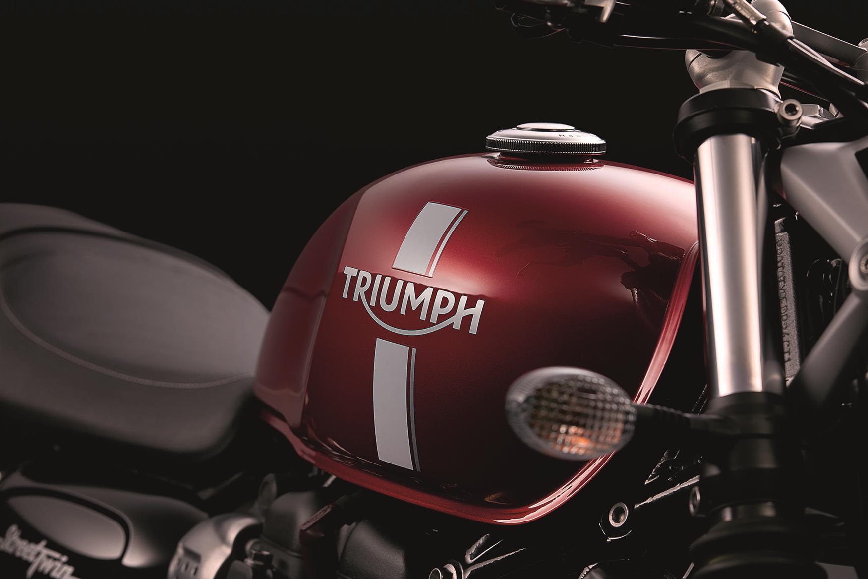 2016 Triumph Street Triple fuel tank