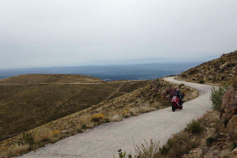 Honda CBR650R touring in Portugal