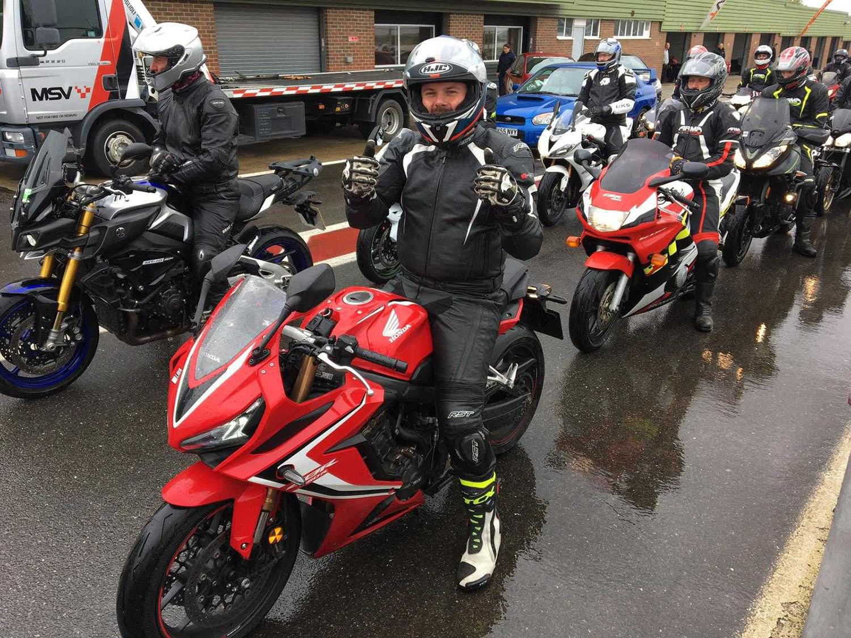 A wet pit lane at Snetterton