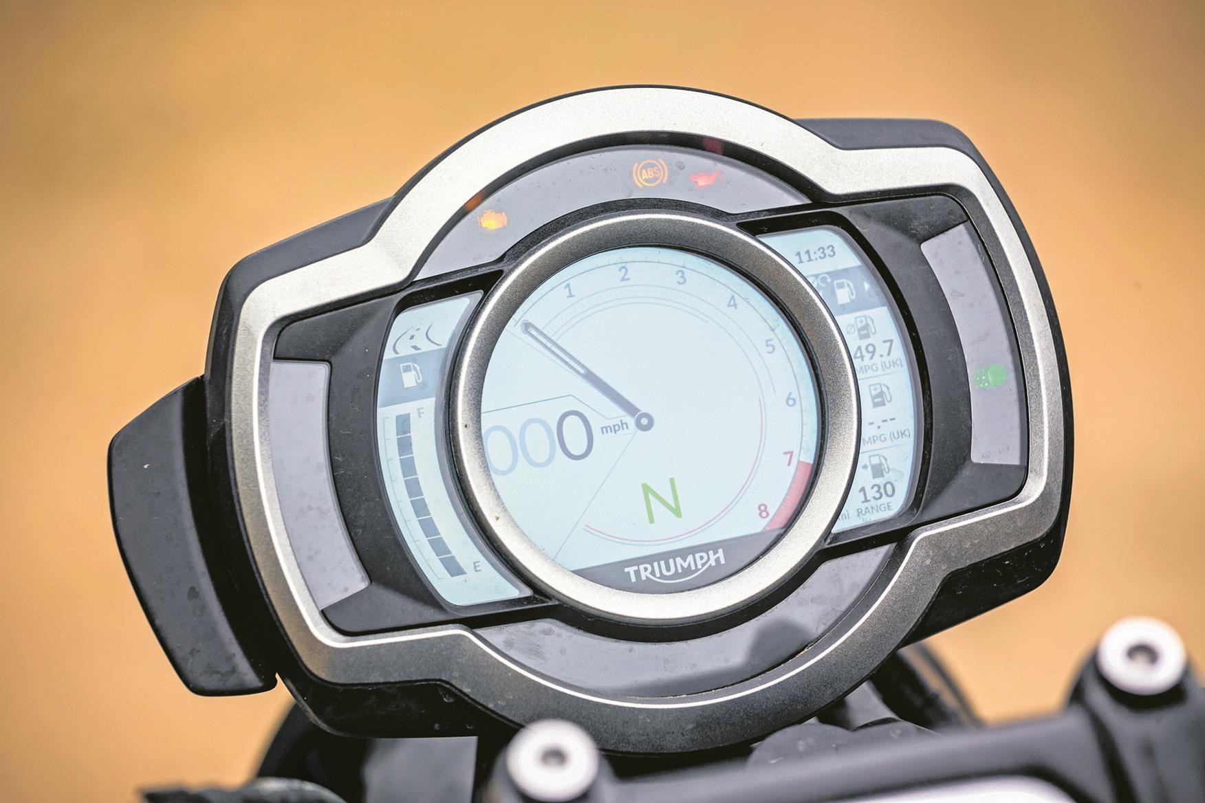 Triumph Scrambler 1200 XE clocks