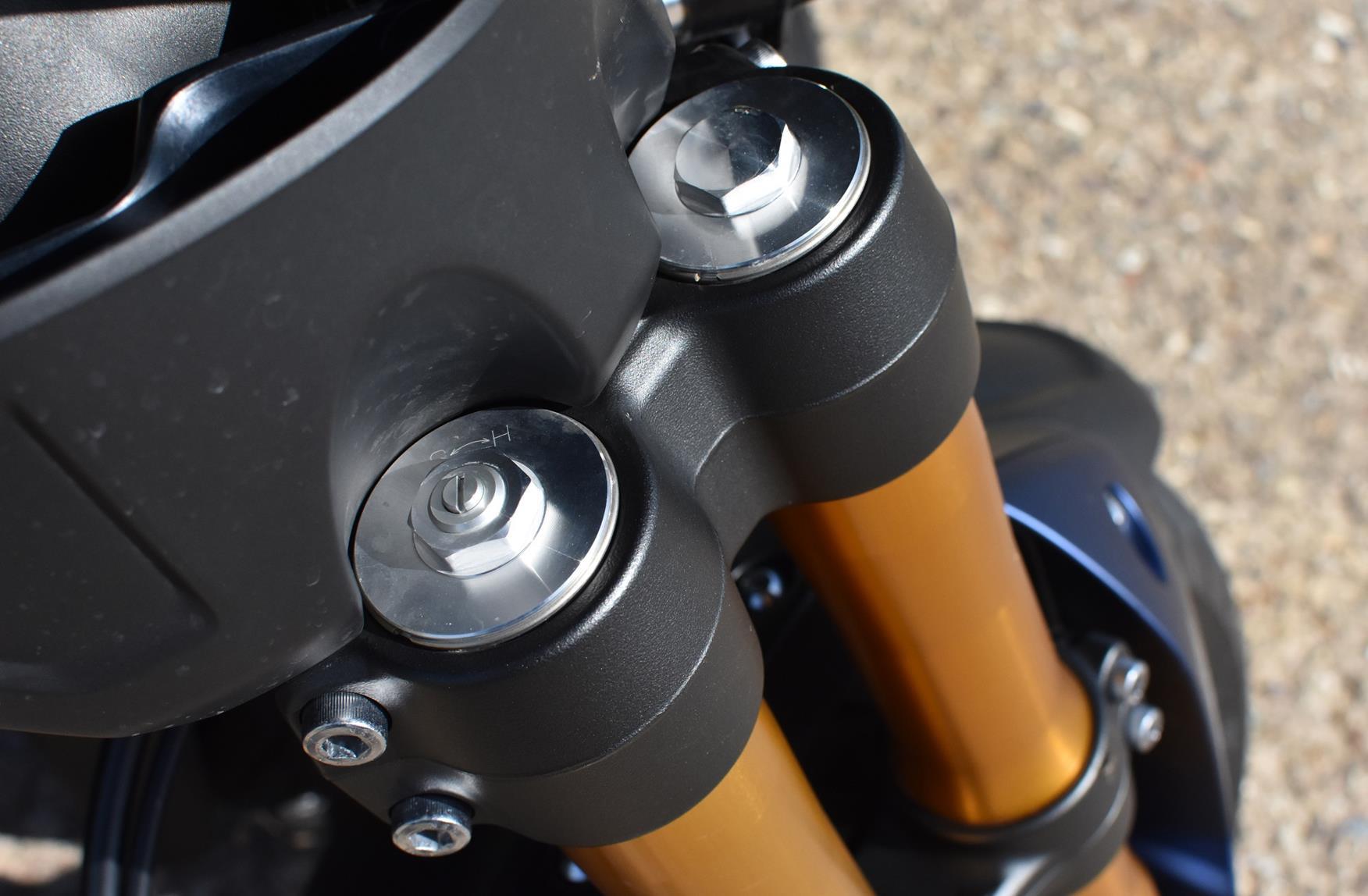 Yamaha Niken GT forks