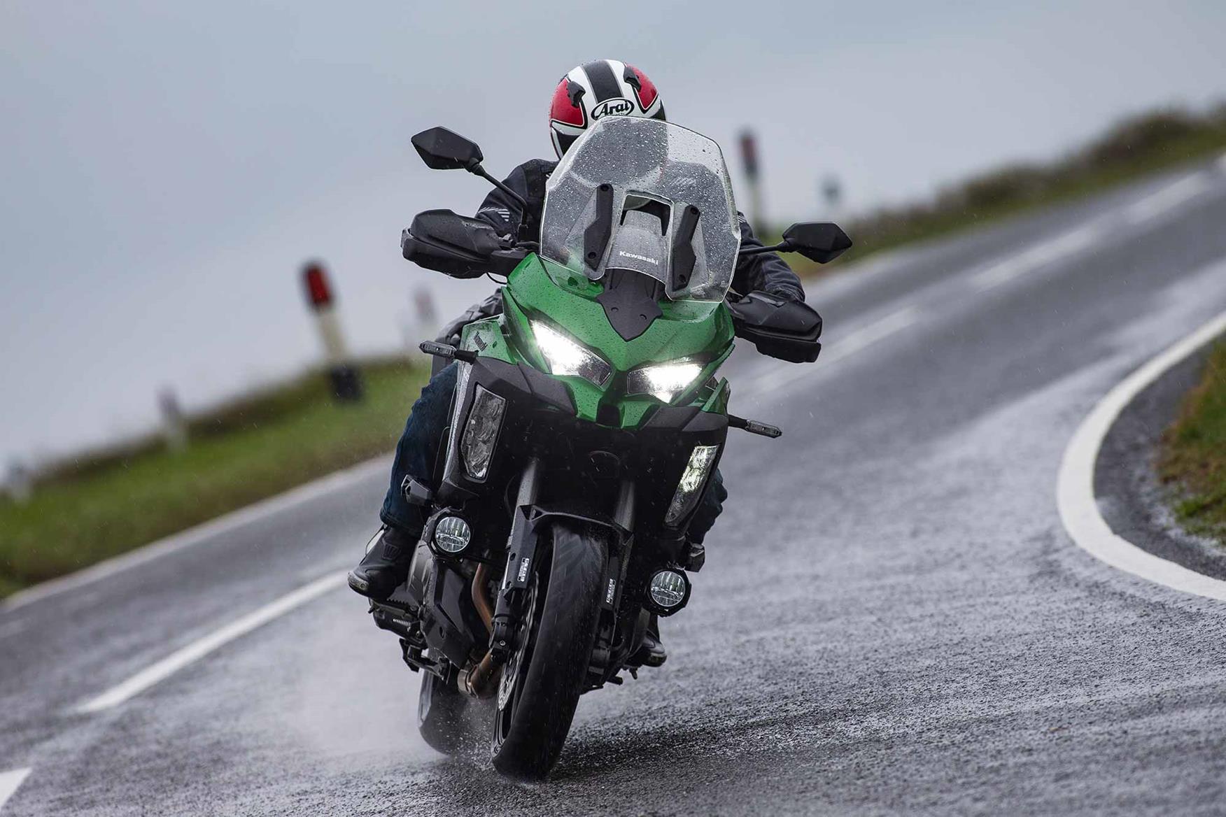 Cornering on the Kawasaki Versys 1000 SE