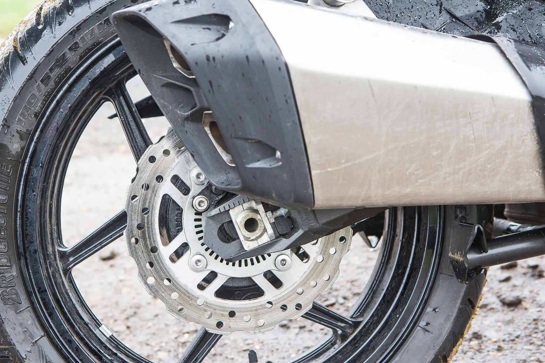 Kawasaki Versys 1000 SE exhaust can