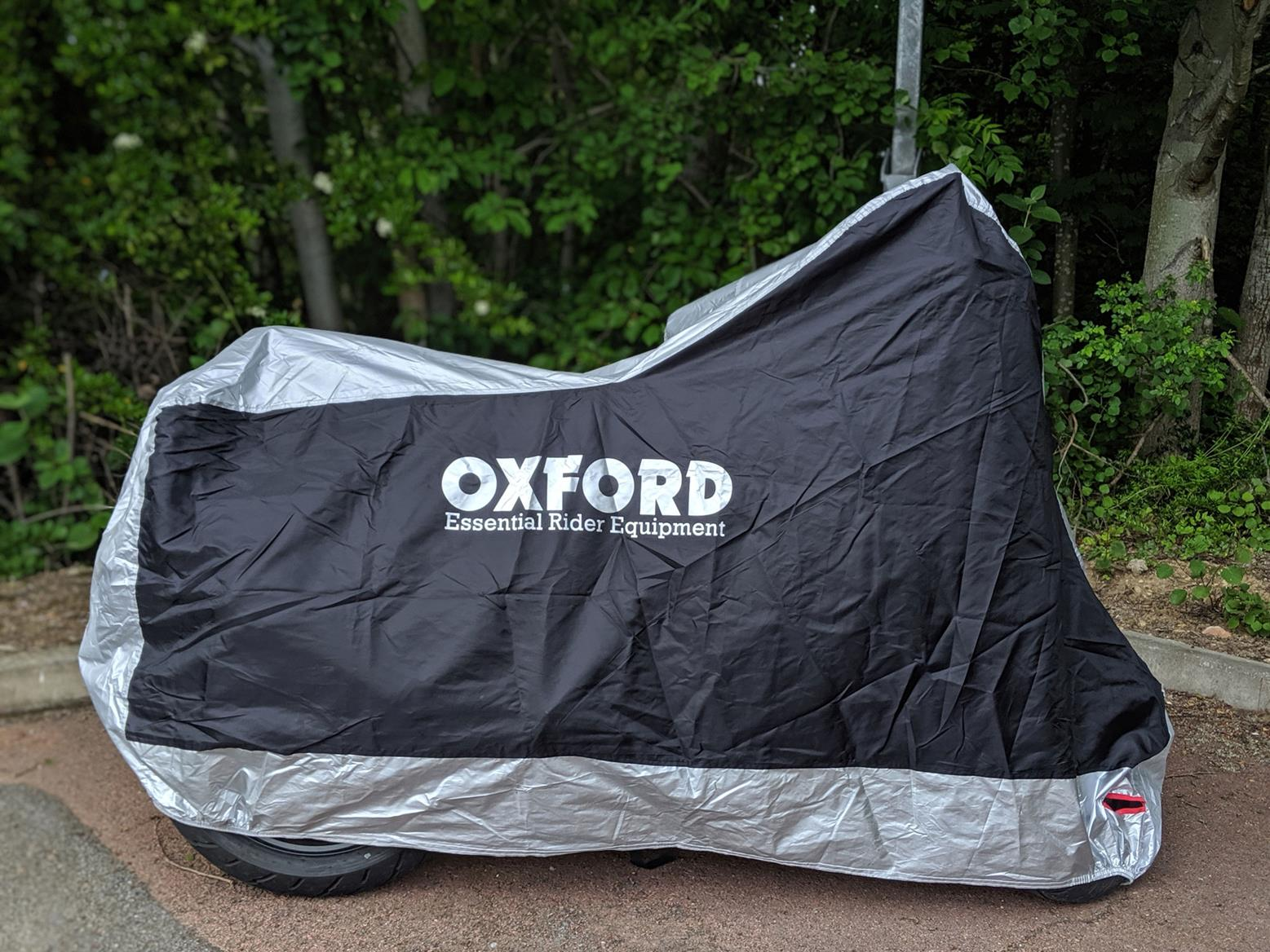 The cover from Oxford Products fits the Suzuki GSX-S125 perfectly, and even has a hole for a disc lock