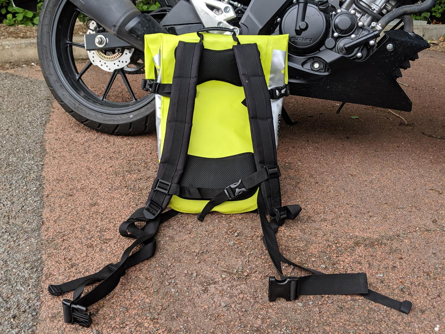 The shoulder, waist and chest straps help keep the £49.99 AquaV20 rolltop bag secure while riding
