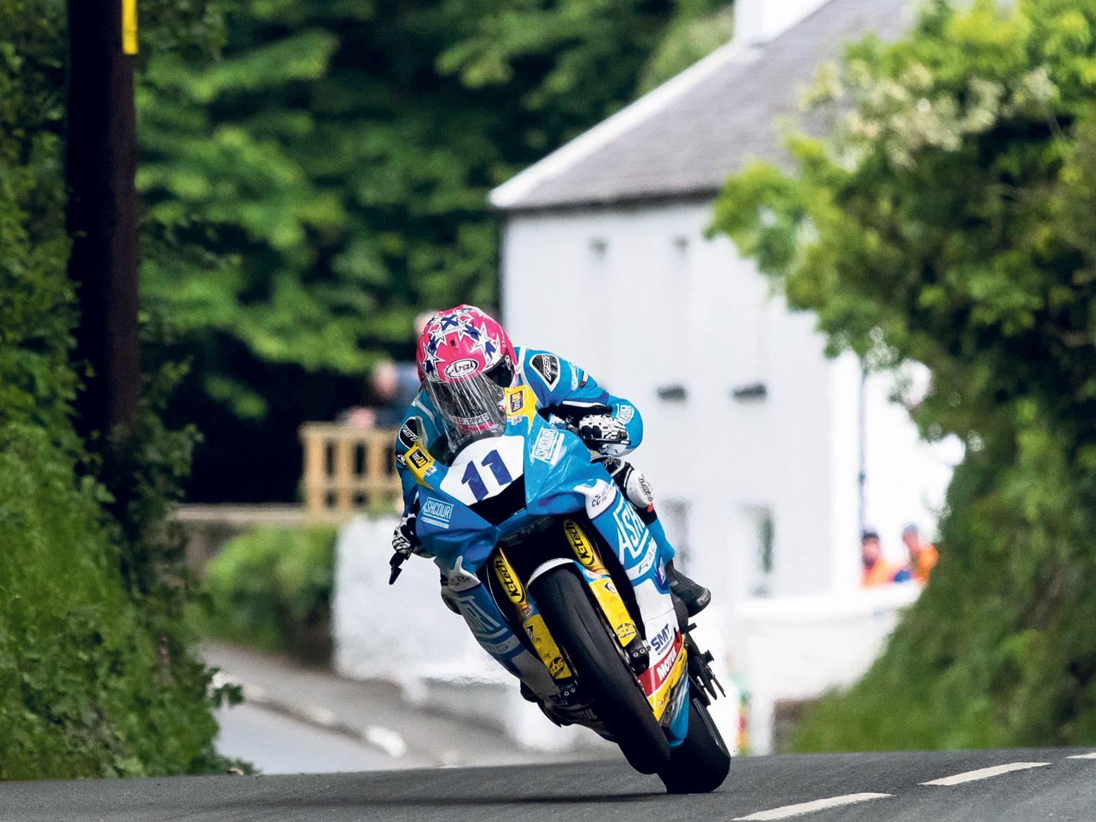 Lee Johnston on his bike winning the 2019 IoM TT Supersport race