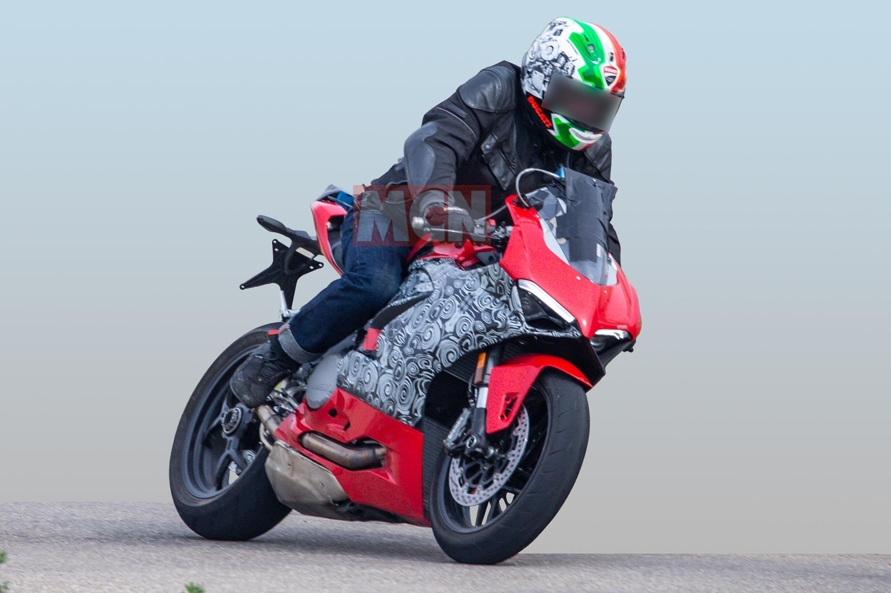 Ducati Panigale 959 spy shot front