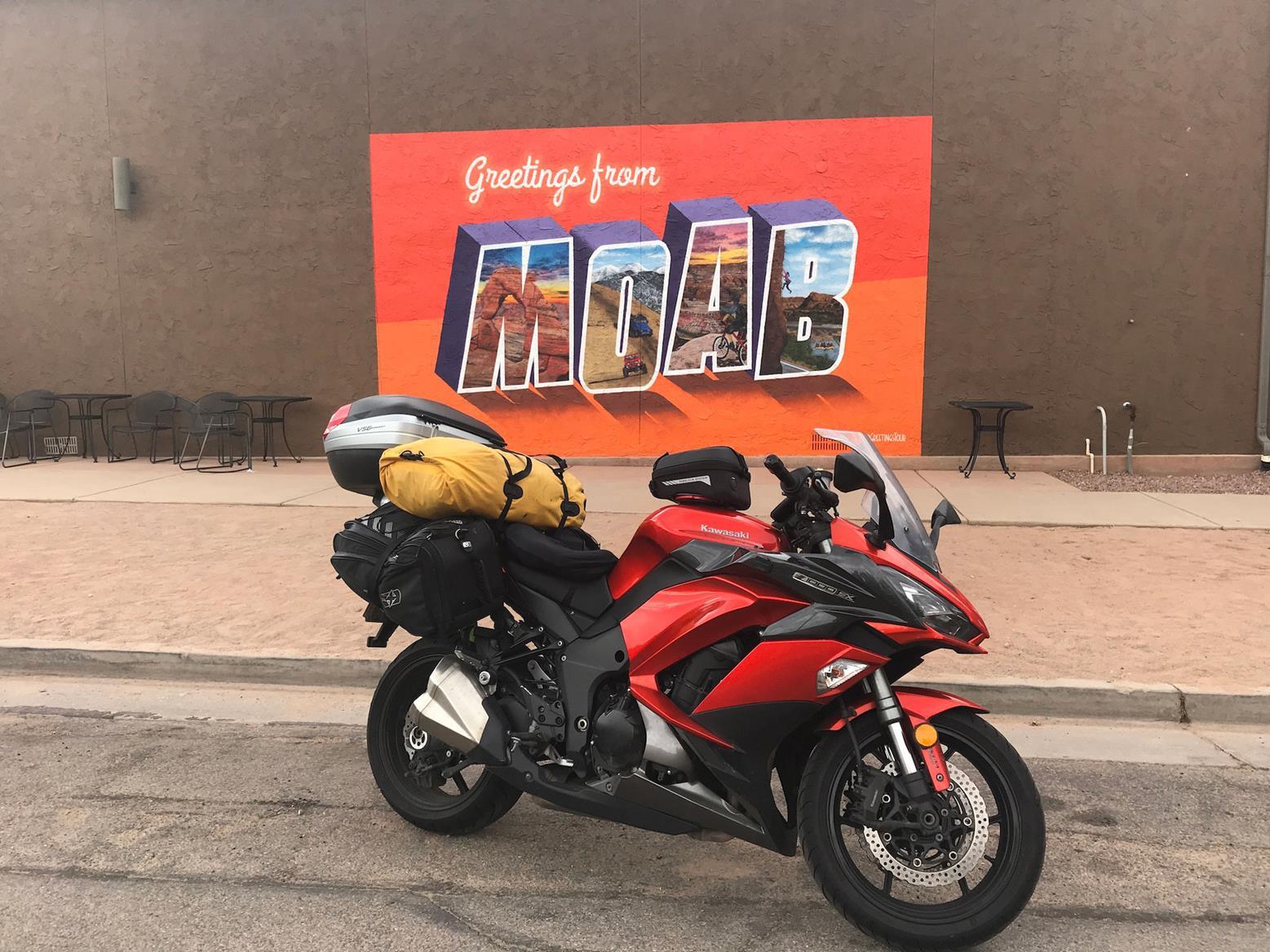 Simon's Kawasaki Z1000SX in Moab