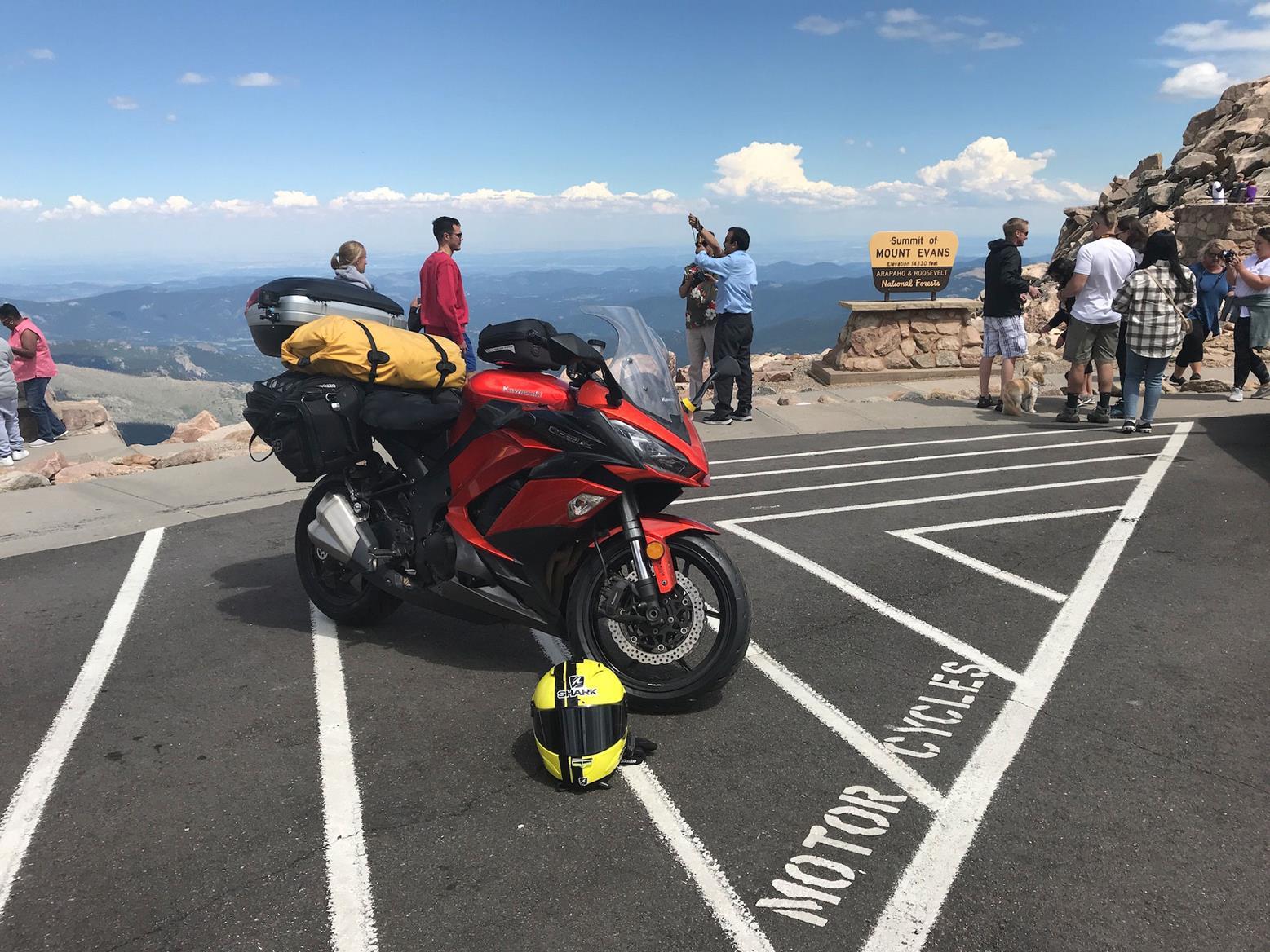 Simon's Kawasaki Z1000SX at Mount Evans
