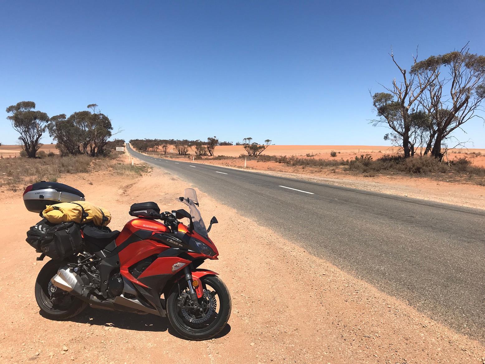 Simon's Kawasaki Z1000SX in the Outback