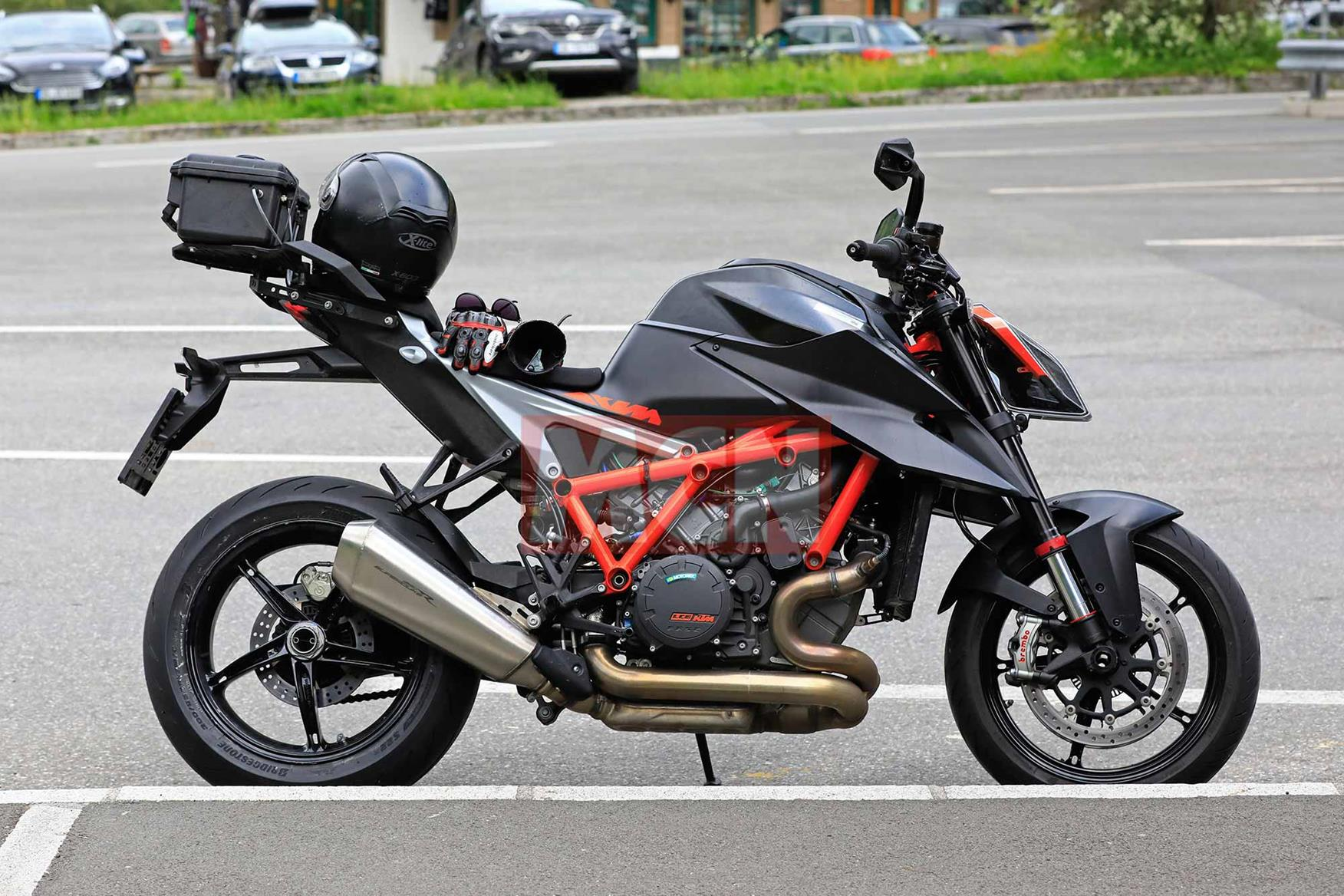 A side on view of the updated KTM 1290 Super Duke R