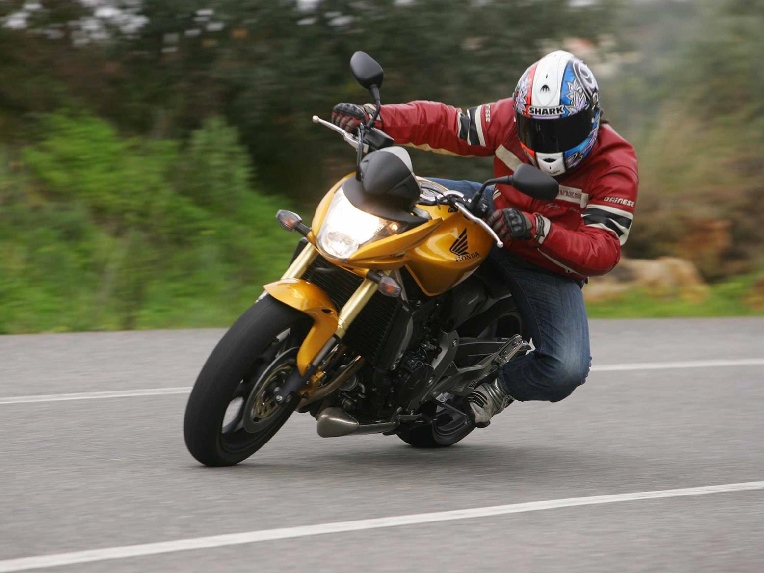 The 2007 Honda CB600F Hornet in action