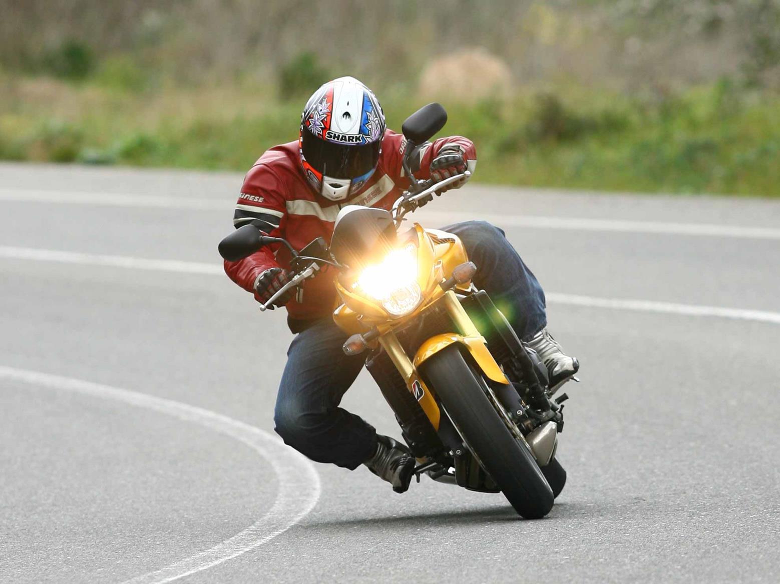 In action on the 2007 Honda CB600F Hornet