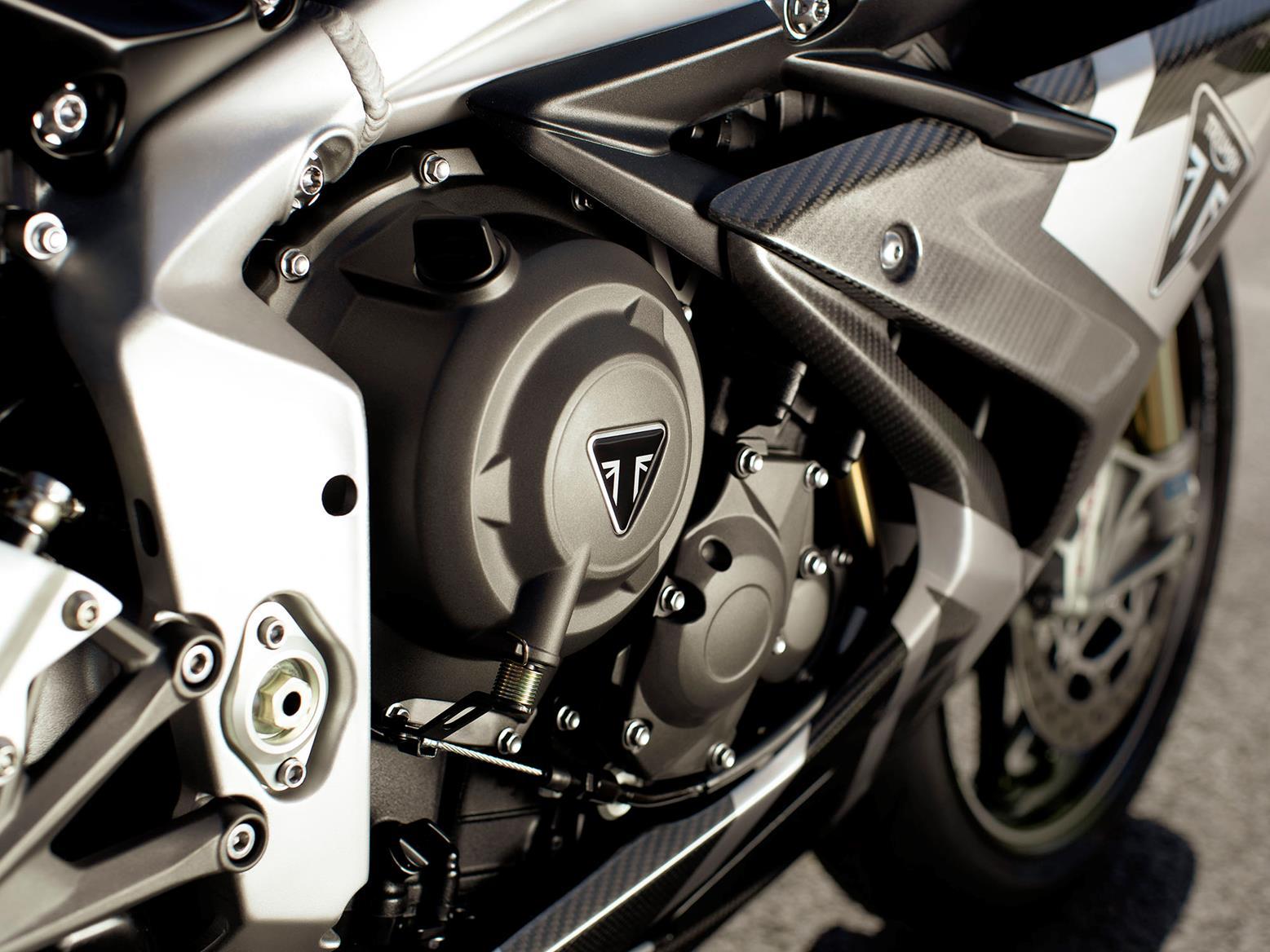 Triumph Daytona 765 Moto2 engine