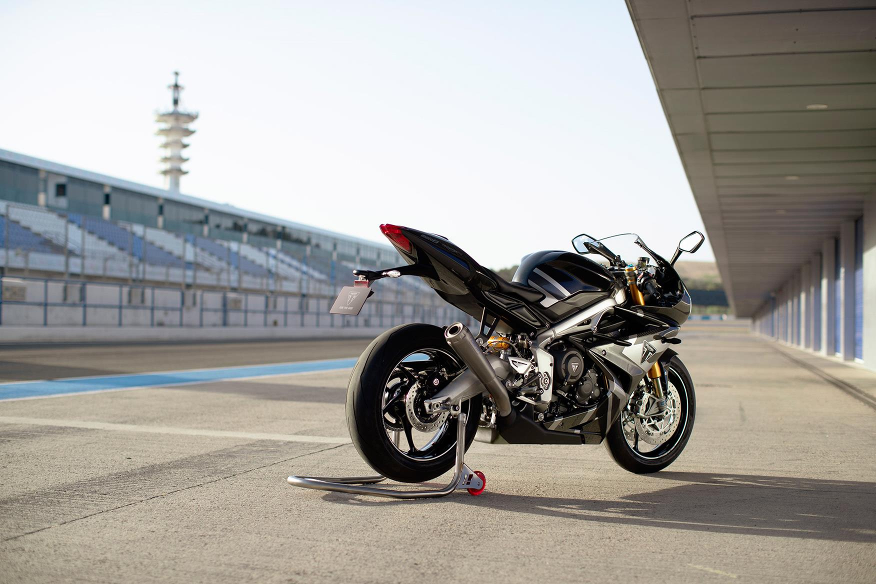 Triumph Daytona 765 Moto2 Limited Edition right side