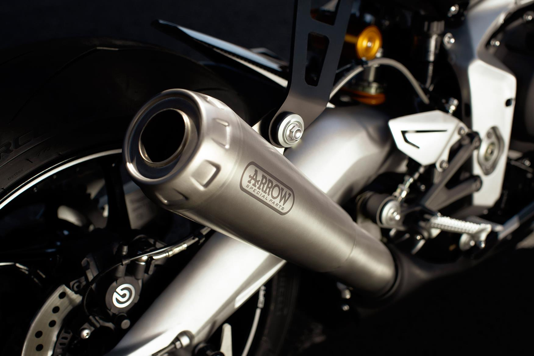 Triumph Daytona 765 Moto2 Limited Edition exhaust