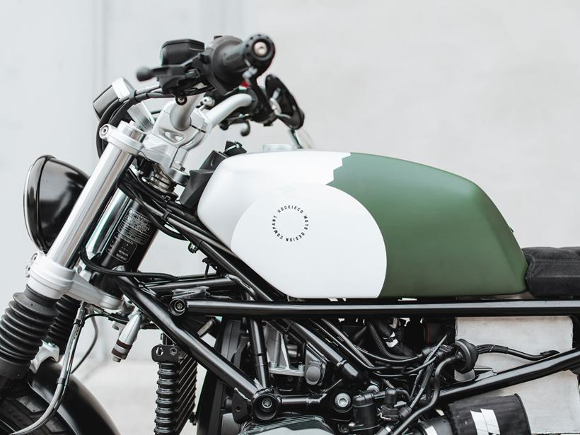 Custom fuel tank on the BMW RNineT Moto-Kit