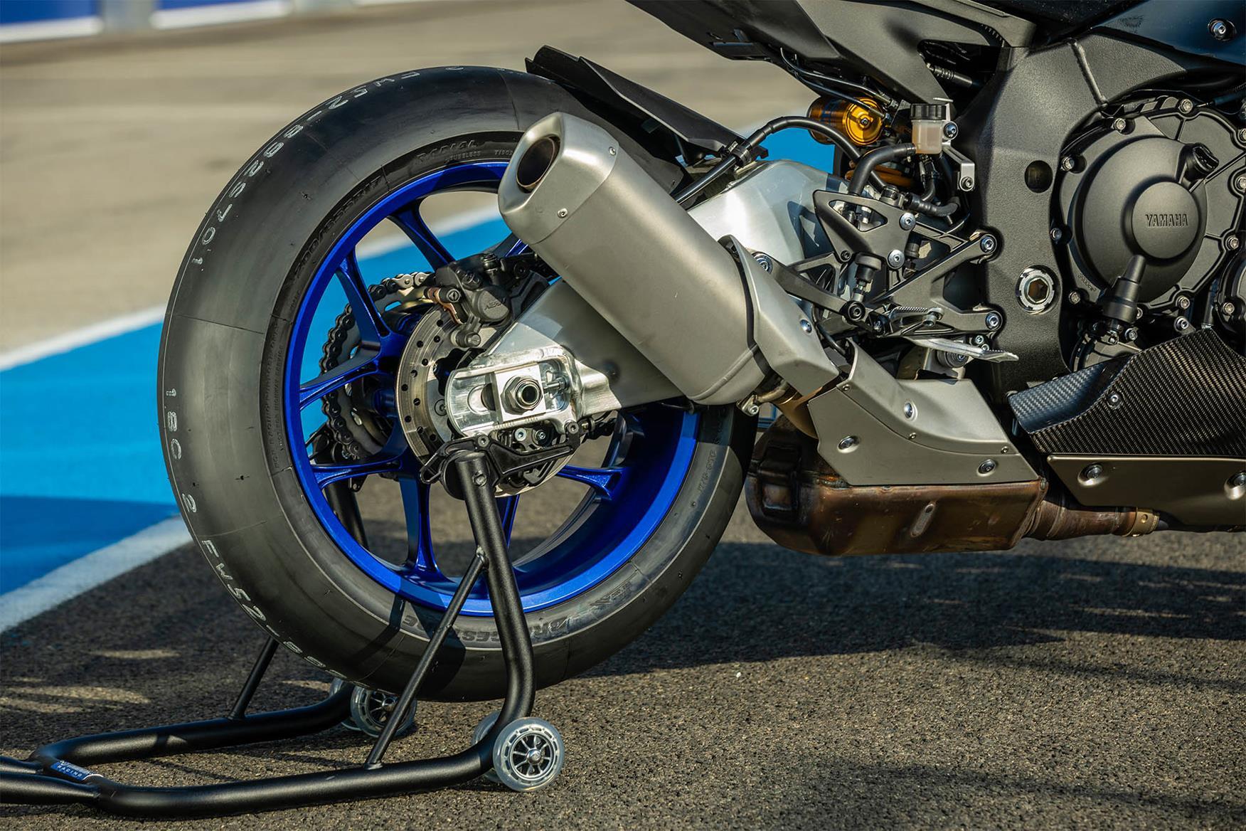 2020 Yamaha R1M swingarm
