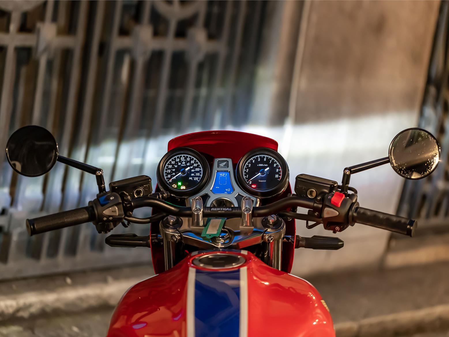 Honda CB1100RS 5Four dials
